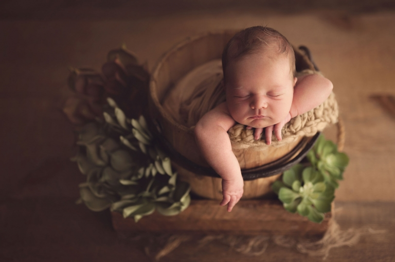 newborn photographer burlington ontario